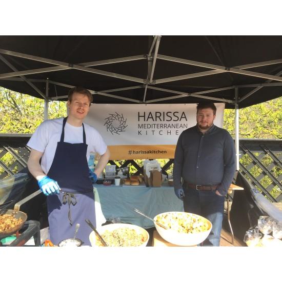 Добра европейска практика: Социално предприятие във Великобритания въвежда програма за обучение на млади готвачи за приготвянето на местна морска храна и спомага за повишаване на заетостта